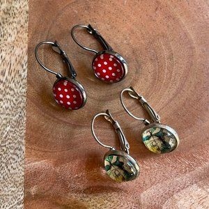 2 pairs of drop earrings, polkadot and butterfly